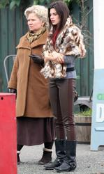 ����� ���, ���� 32. Meghan Ory on the set of 'Once Upon a Time' in Vancouver - 03/23/12, foto 32