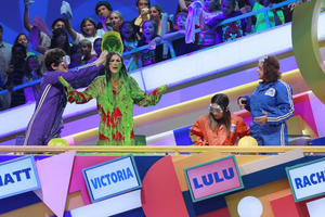 "Victoria Justice and Lulu Antariksa covered with SLIME at ""Figure It Out"" (5 x UHQ)"