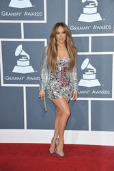 http://img293.imagevenue.com/loc586/th_01667_JLO_2011Grammy4_122_586lo.jpg