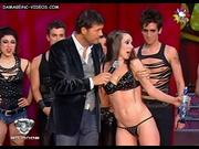 http://img293.imagevenue.com/loc586/th_724357328_tduid1301_VictoriaOnetto__Showmatch2009_01ElMusical_Lujuria_Strip_HiloDental__DamageInc_H264_23_123_586lo.JPG