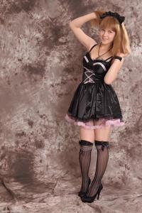 http://img293.imagevenue.com/loc76/th_233020697_Silver_Sandrinya_maid_3_123_122_76lo.jpg